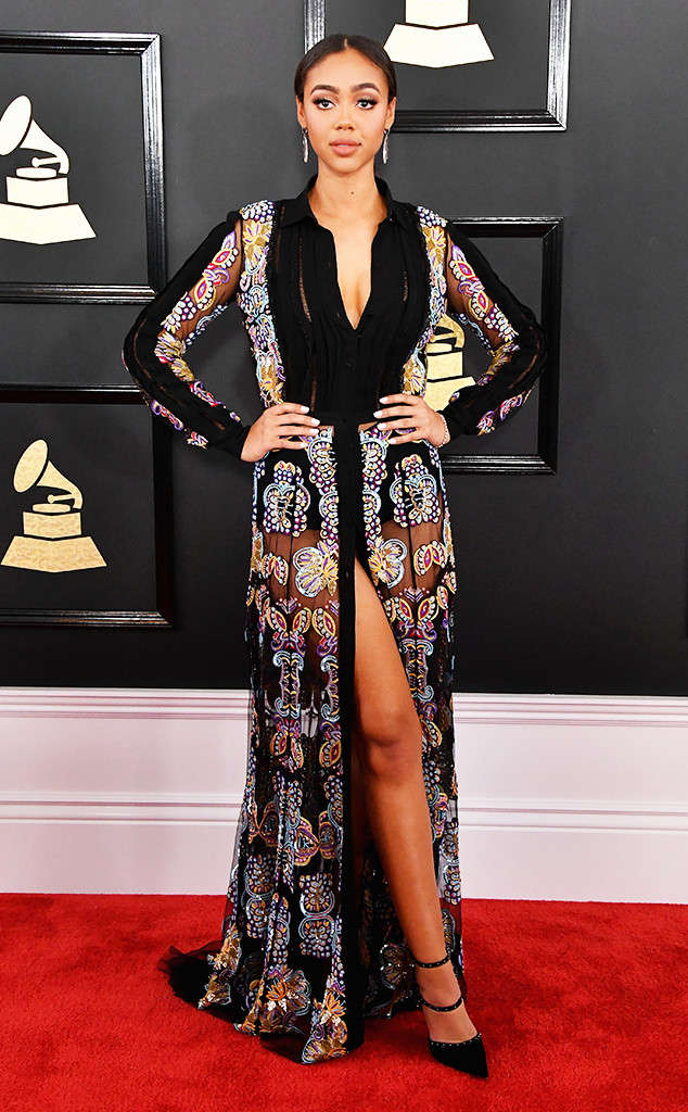 bella-harris-2017-grammy-awards