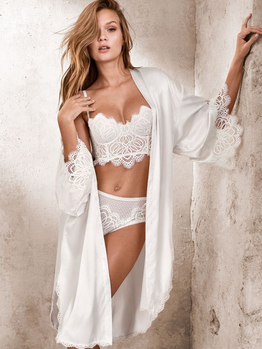 DREAM ANGELS Lace-trim Satin Robe